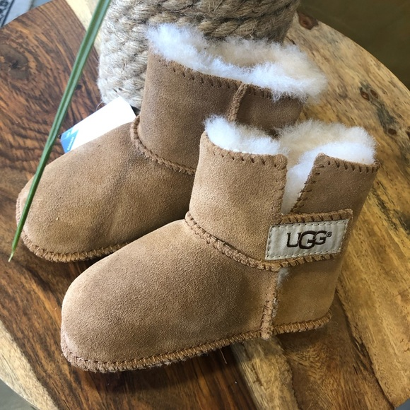 025688a4aa7a UGG Baby s ERIN in Chestnut